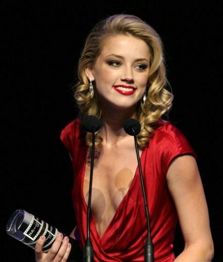 Amber Heard gay