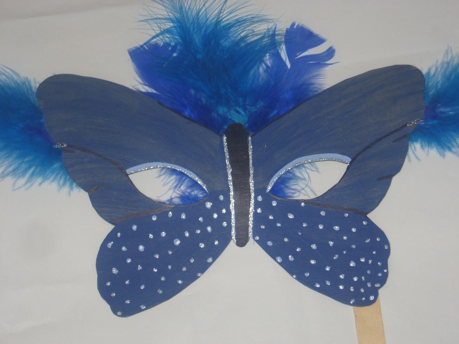 maschera di Carnevale colorata fai da te