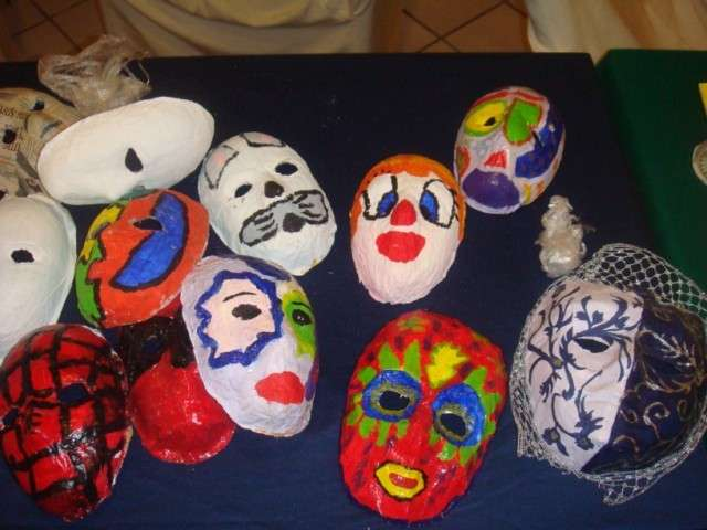 Carnevale Bambini Come Creare Una Maschera Di Cartapesta Foto