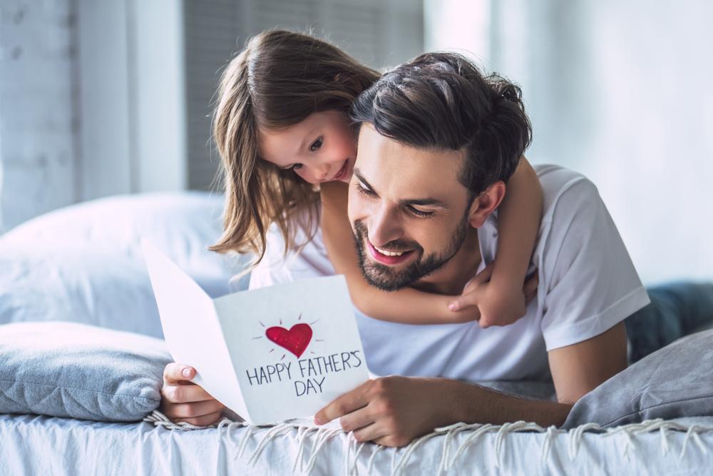 Festa del papà: frasi divertenti o commoventi da dedicargli