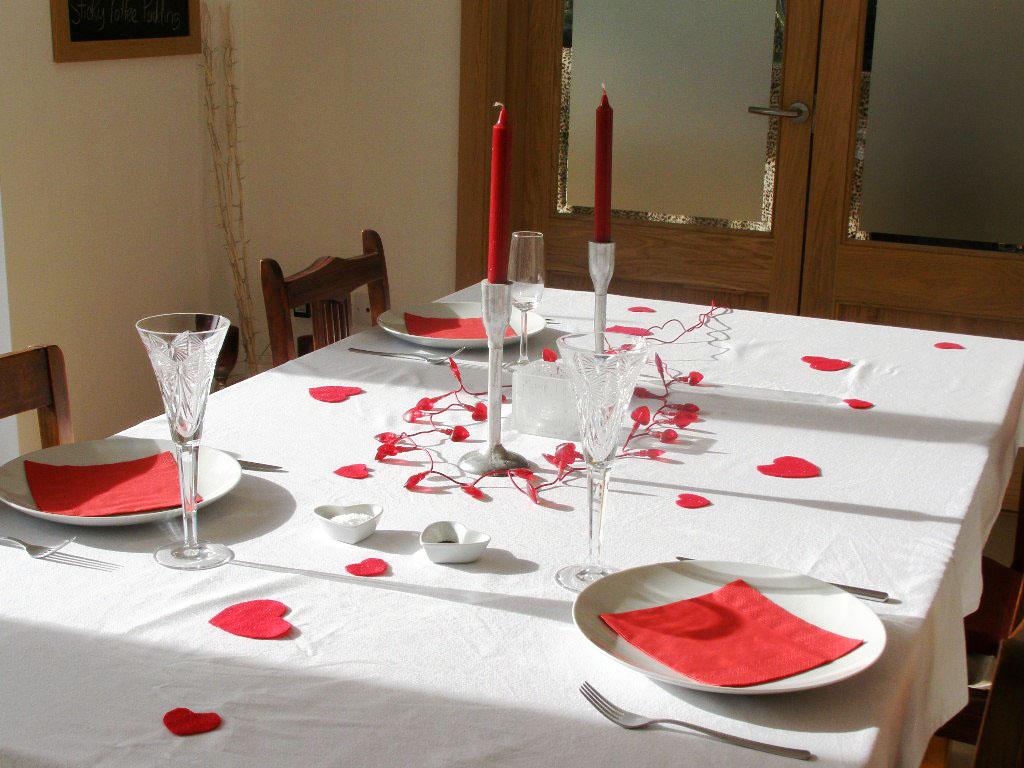 San Valentino Tavolo.Apparecchiare La Tavola Per San Valentino Una Cena A Lume