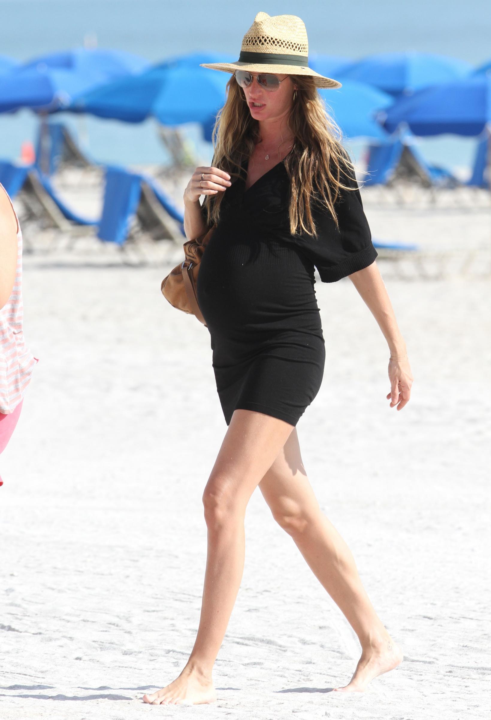 Gisele Bundchen incinta in relax a Miami