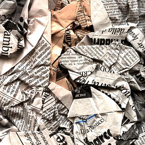 Carta dei giornali per i vetri