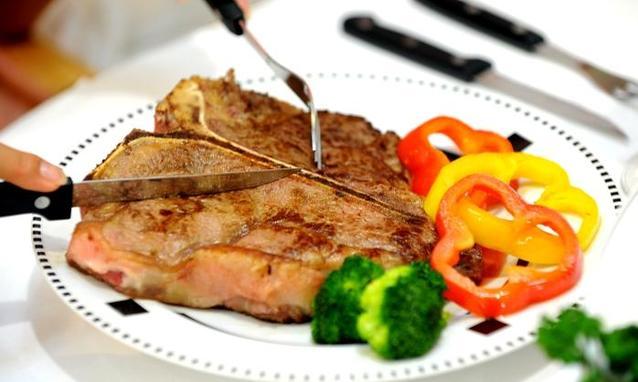 Dieta iperproteica dimagrante: esempio e cosa mangiare