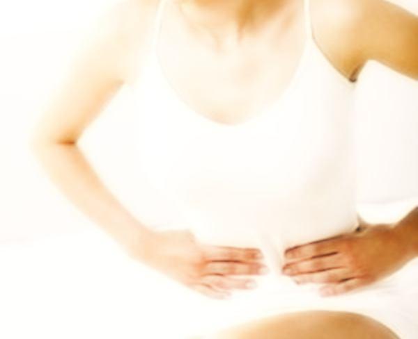 Acidità di stomaco: sintomi, rimedi e cosa mangiare