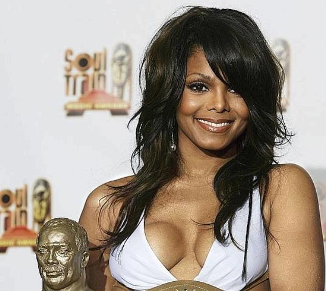 Janet Jackson seno rifatto male