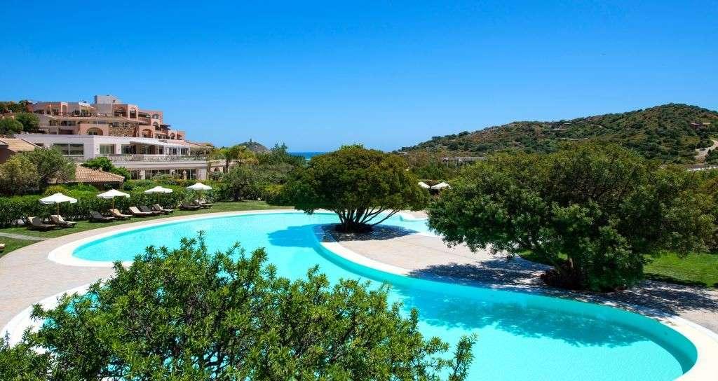 Chia Laguna Resort, una meta in Sardegna all'insegna del piacere