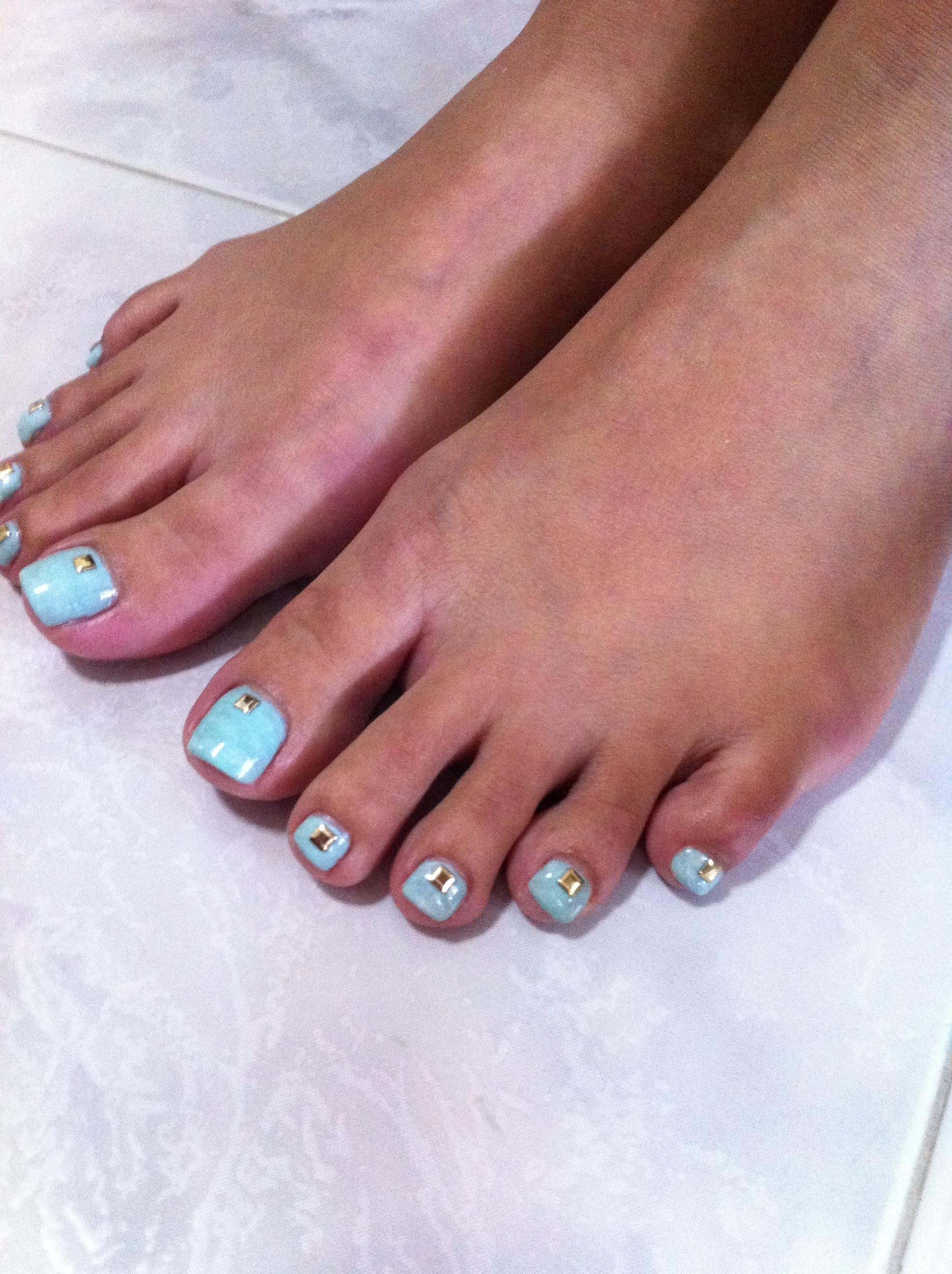 unghie estate 2013 piedi azzurri