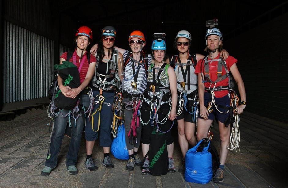 Attiviste di Greenapeace scalano The Shard a Londra