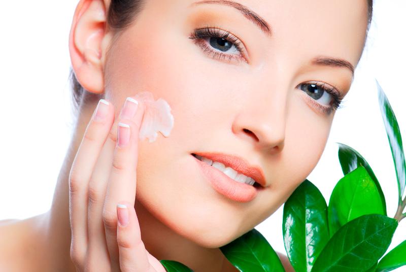 Come eliminare la macchie sul viso: i rimedi naturali