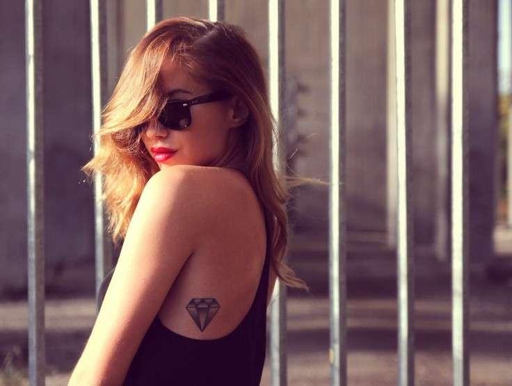 Tatuaggi glam e stilosi: tanti disegni da imitare [FOTO]