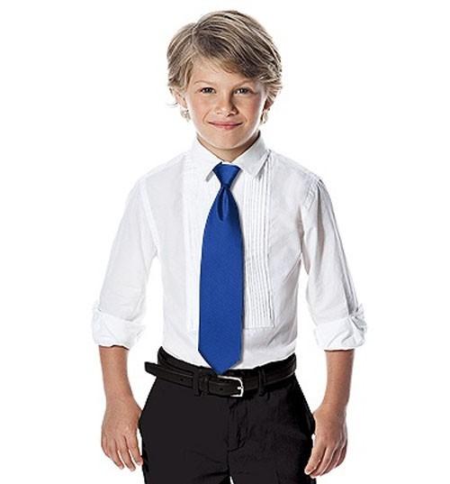 vestito per cerimonia con cravatta