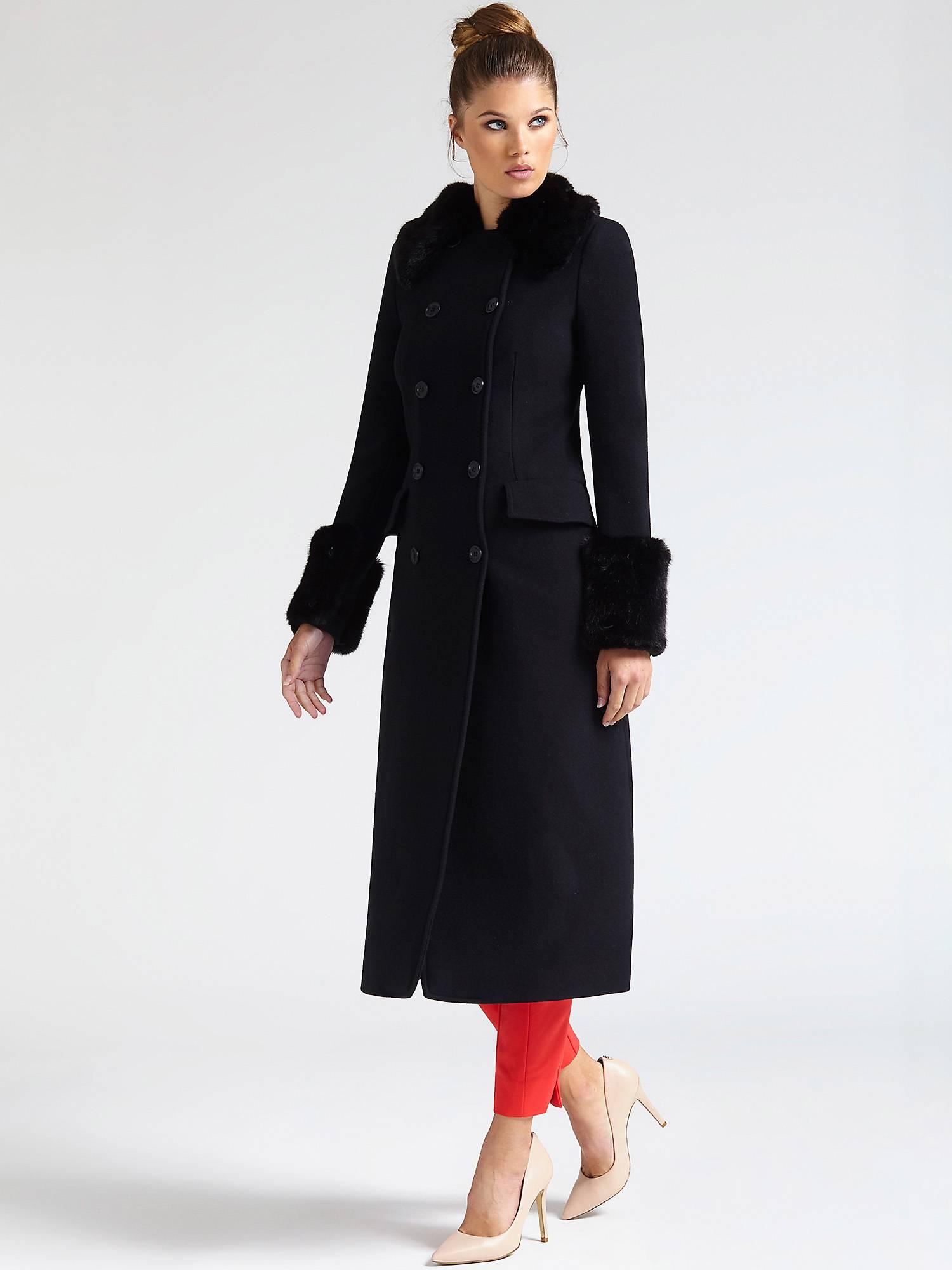 Cappotto elegante con pelliccia Guess