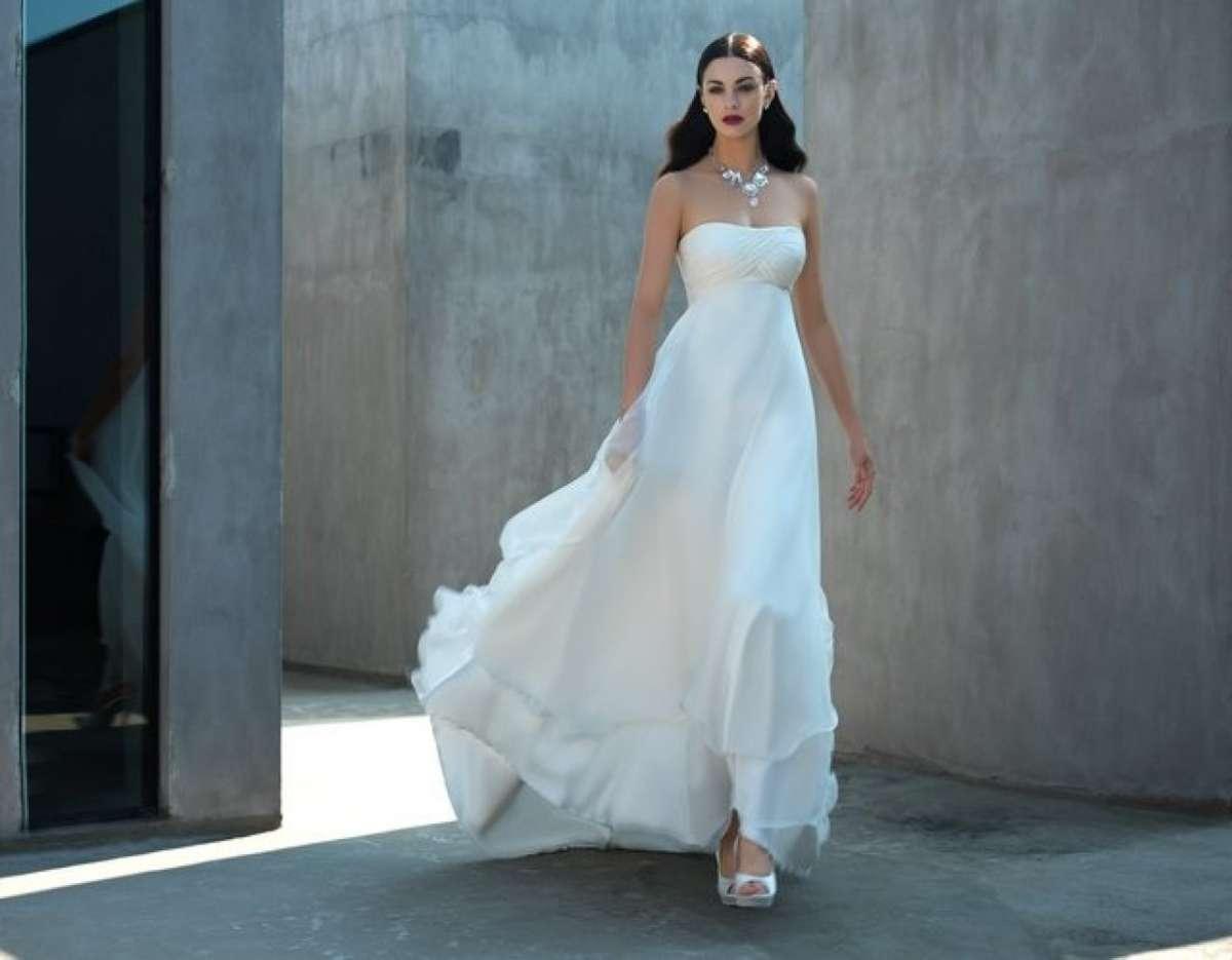 Abiti da sposa in stile impero  i modelli più belli  FOTO   9f066f9b48d