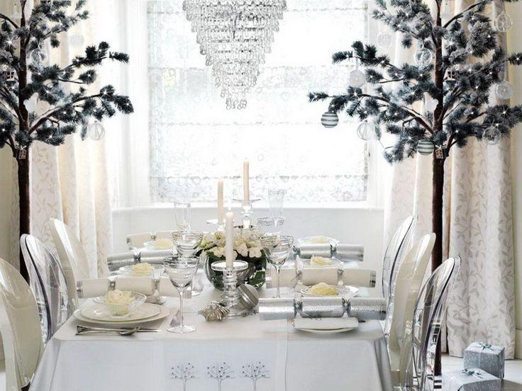 Tavola bianca per il matrimonio d'inverno