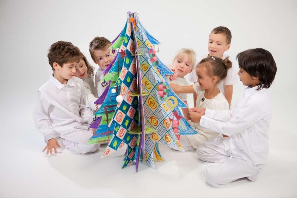 Lavoretti Di Natale Per Bambini Lalbero Fai Da Te Foto Pourfemme