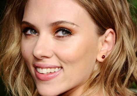 scarlett johansson and anti helix piercing gallery