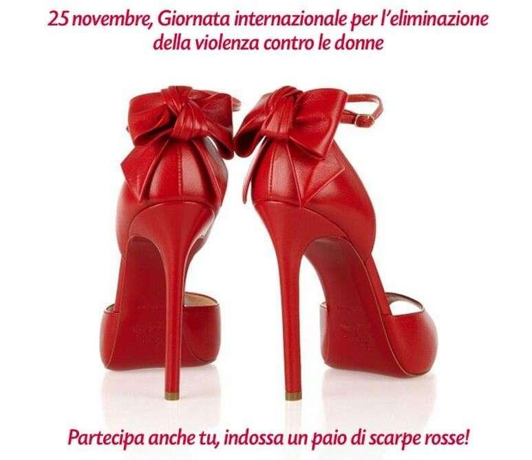 scarpe rosse da accessorio fashion a simbolo della violenza contro le donne foto pourfemme scarpe rosse da accessorio fashion a
