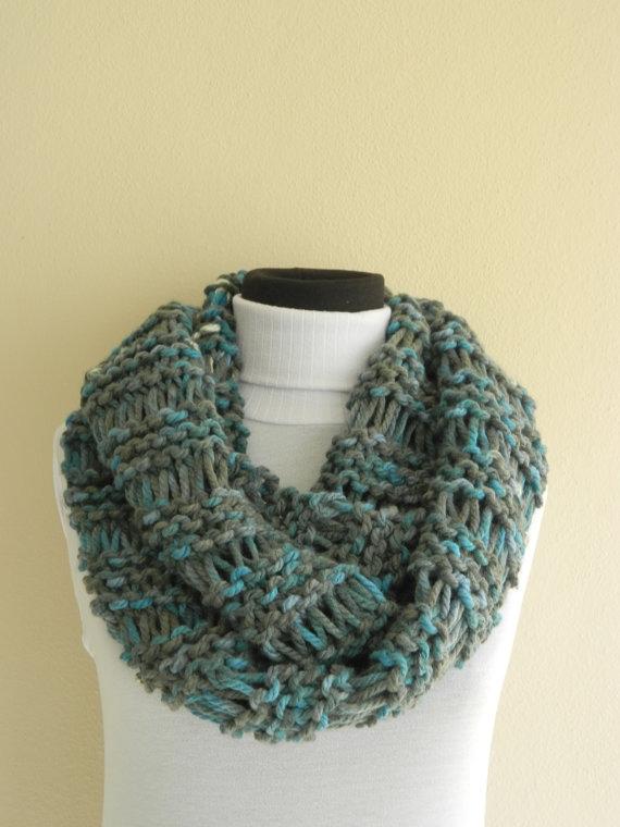 sciarpa maglia circolare grigia azzurra