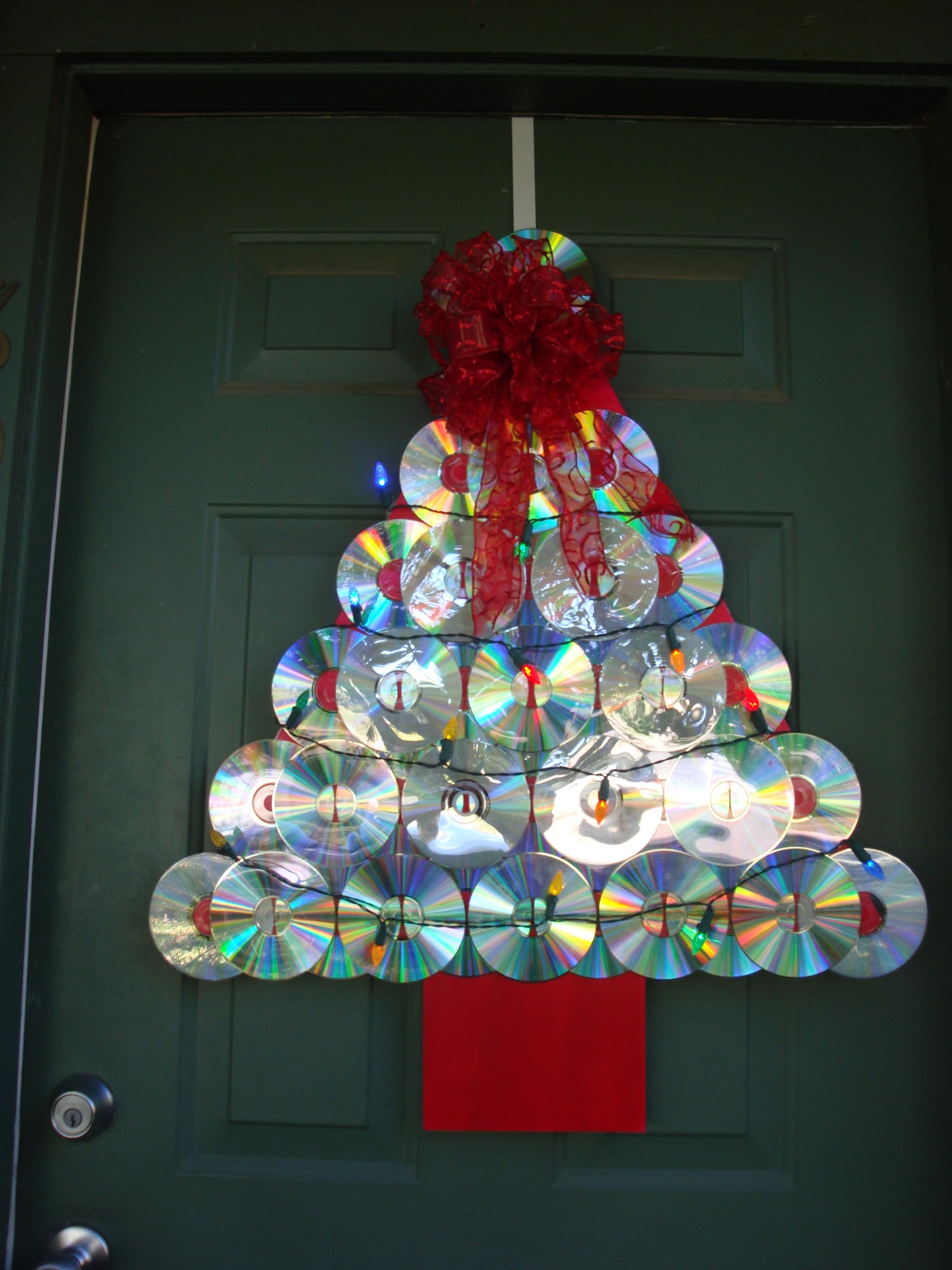 Albero di Natale fatto con cd