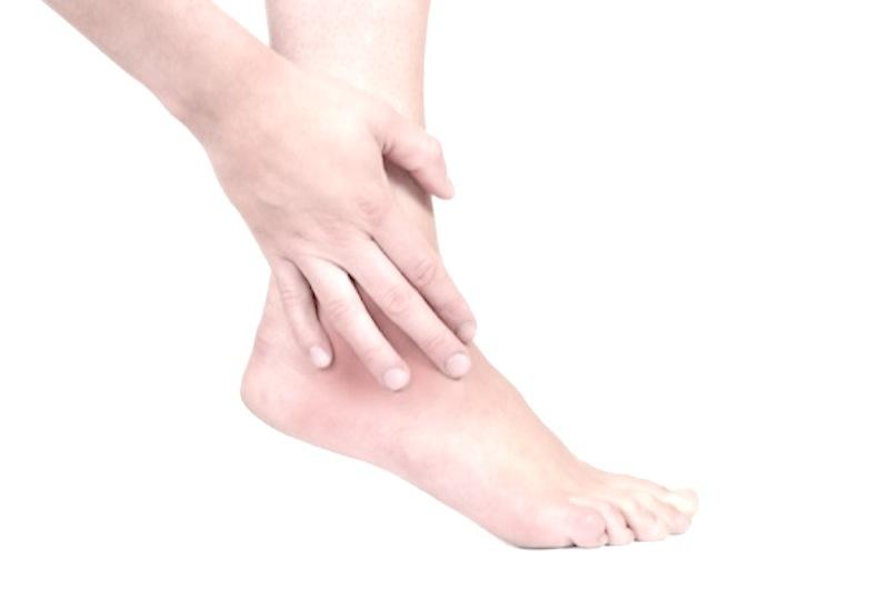 Frattura del malleolo: sintomi, cosa fare e riabilitazione