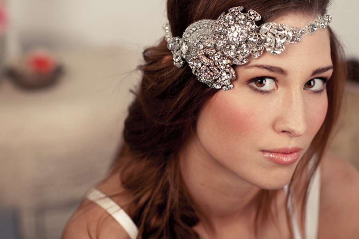 Headband prezioso con decorazioni brillanti