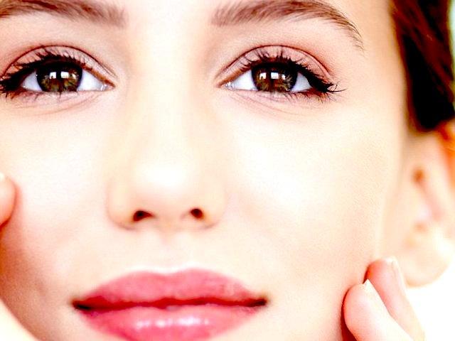 10 pessime abitudini nemiche della pelle