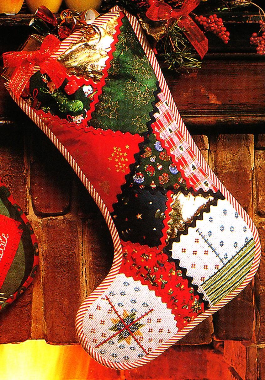 calza befana punto croce rossa decorata