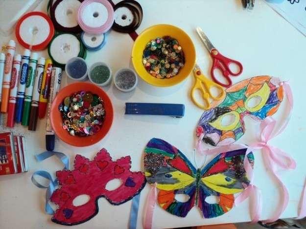 Carnevale: lavoretti per l'asilo da fare con i bambini [FOTO]
