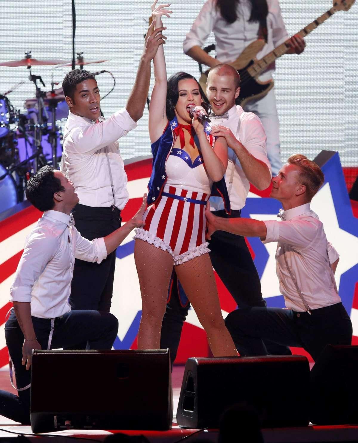 Katy Perry look