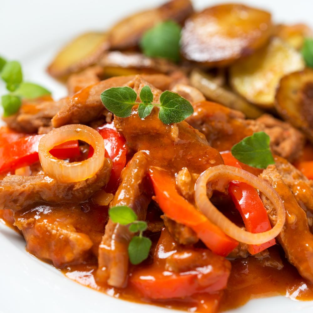 ricette light vegetariane, spezzatino di seitan e peperoni