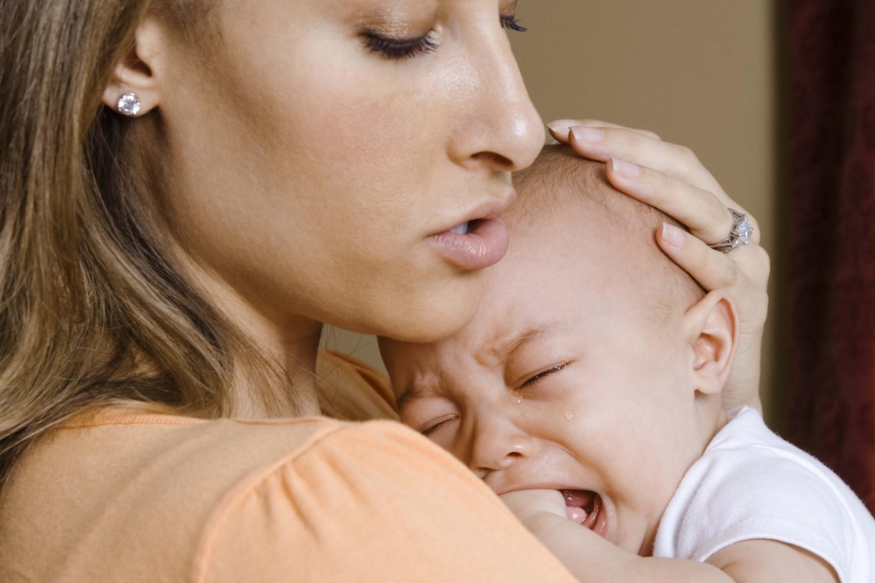 Stitichezza nel neonato: rimedi, cause e cosa fare