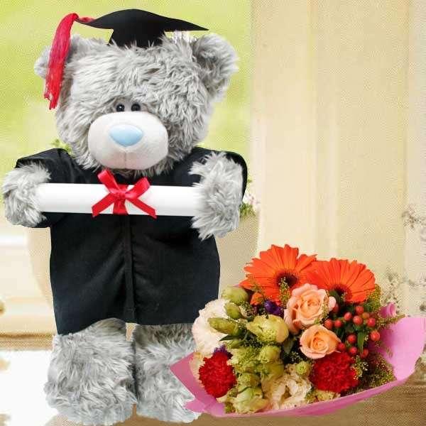 Composizione floreale per laurea fai da te [FOTO]