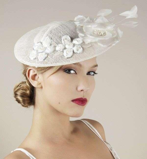 Cappelli per la sposa: tante idee chic e originali [FOTO]