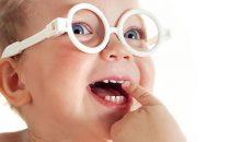Ipermetropia nei bambini: sintomi, occhiali e miglioramenti