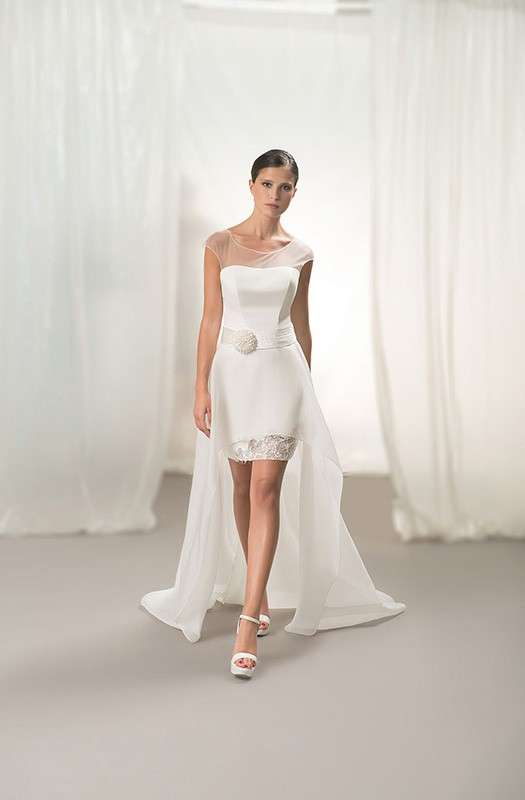 Abiti da sposa a tubino: i modelli più belli [FOTO]
