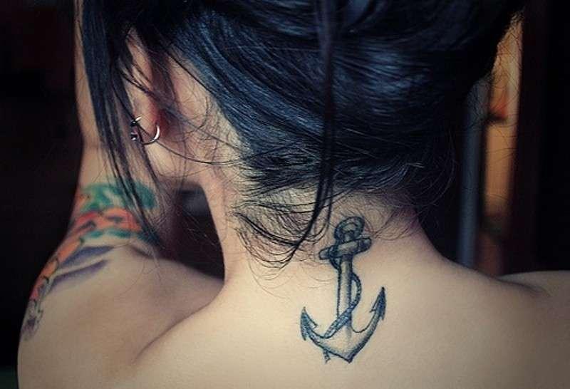 Tatuaggi àncora femminili, i disegni più belli [FOTO]