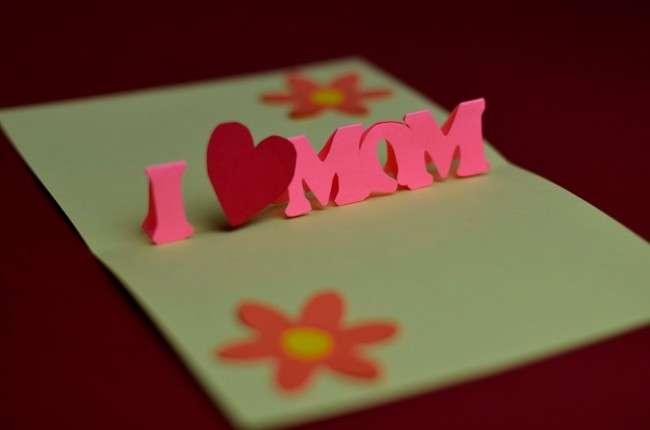 Festa della mamma: realizzare un biglietto pop up [FOTO]