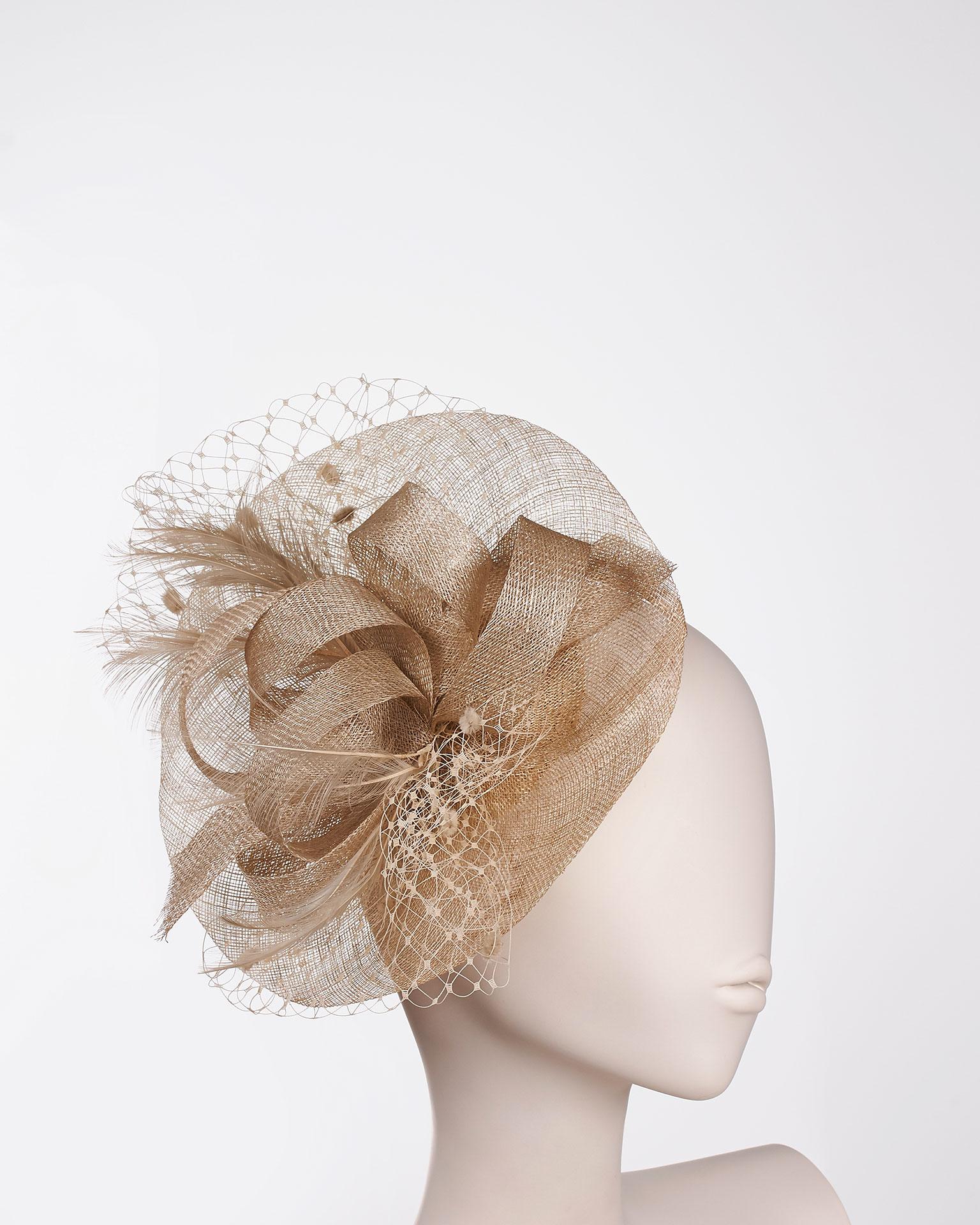 0eb20a2ad9ec Cappelli da cerimonia  consigli per l invitata  FOTO