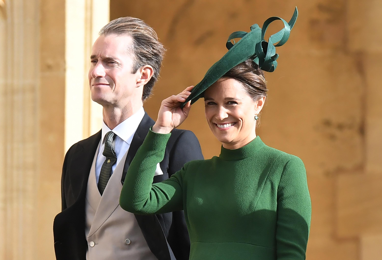 Pippa Middleton con cappello da cerimonia verde