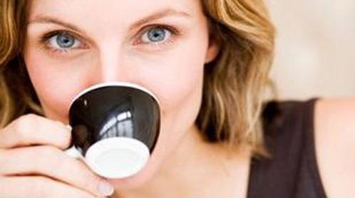bere troppo caffe