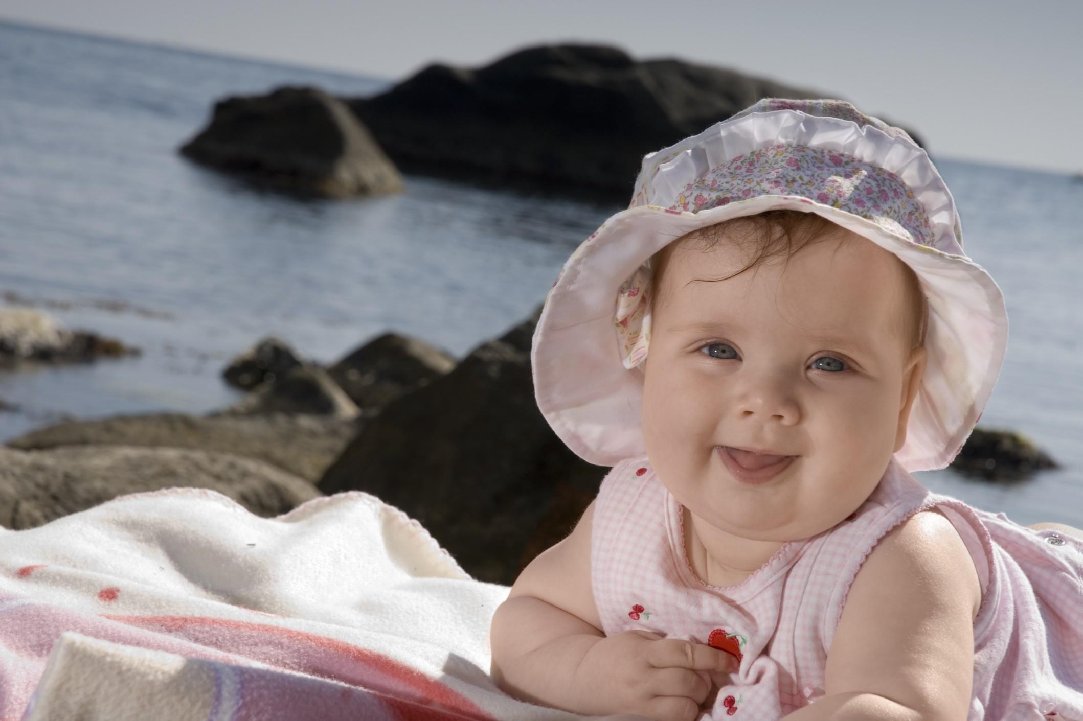 come-vestire-il-neonato-in-estate