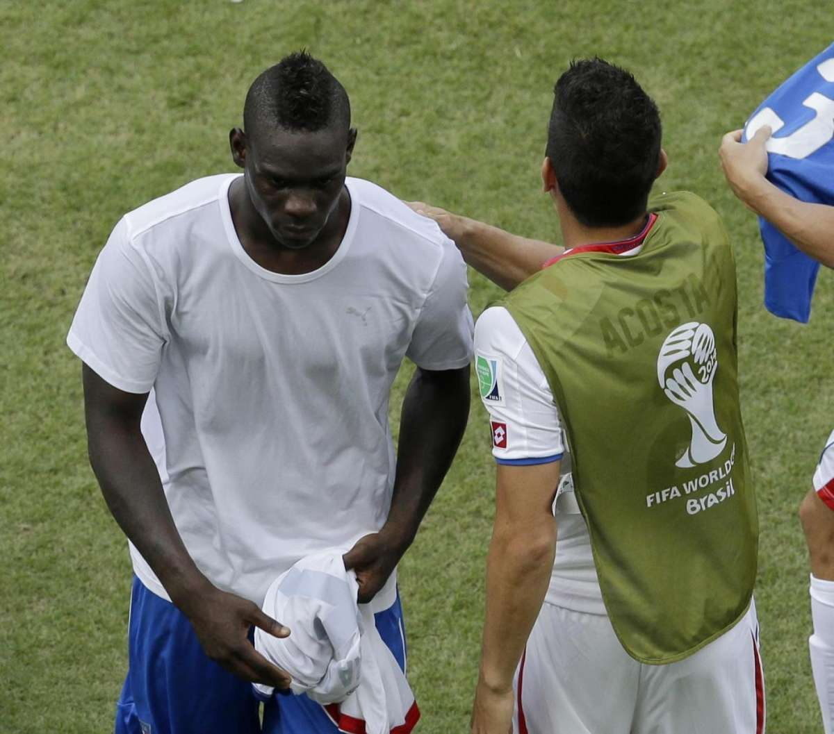 La delusione di Mario Balotelli al termine della gara
