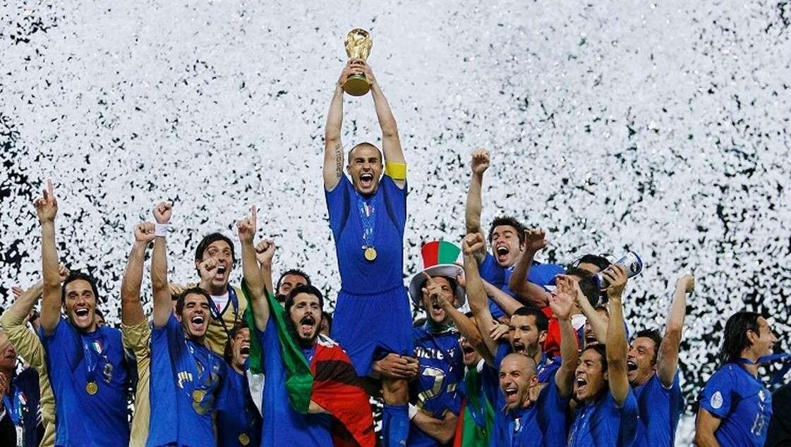 Le maglie della Nazionale italiana di calcio della storia [FOTO]