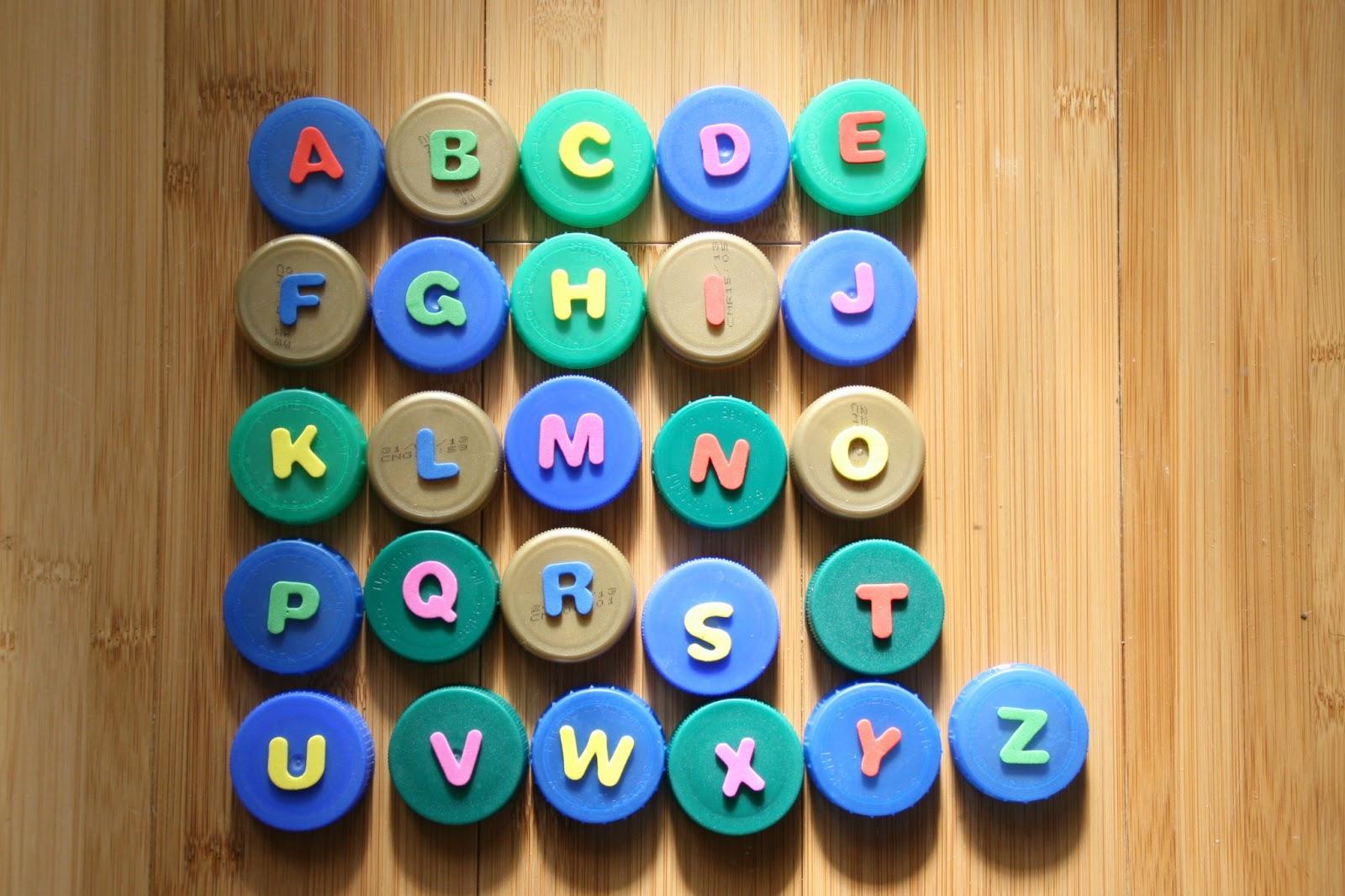 lettere tappi plastica