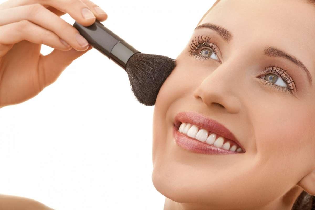 Come coprire le cicatrici con il make up, consigli utili e prodotti da usare [FOTO]