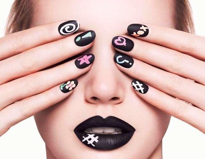 Decorazione unghie corte, le nail art per renderle glam [FOTO]