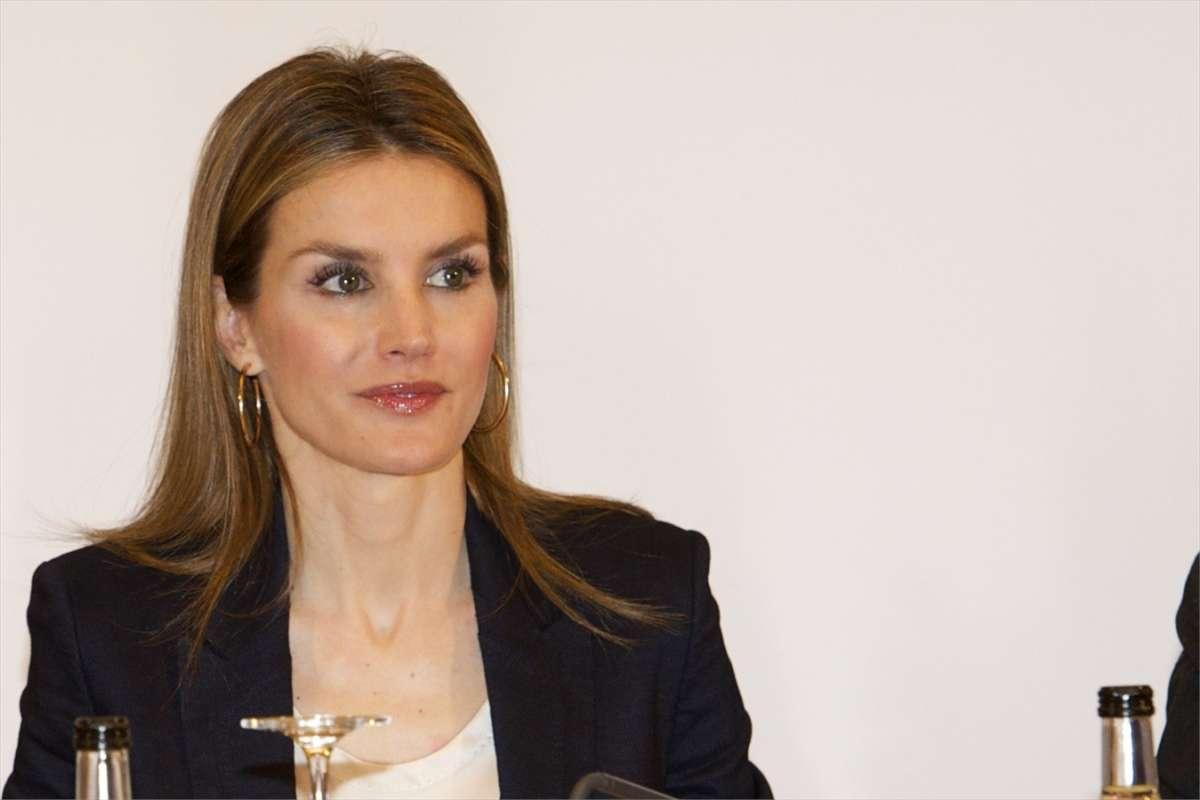 I migliori look di Letizia Ortiz, la nuova regina di Spagna [FOTO]