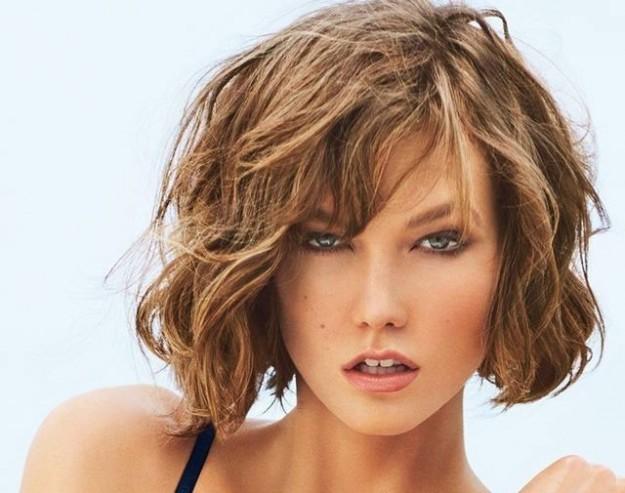 Come fare i capelli mossi se sono corti