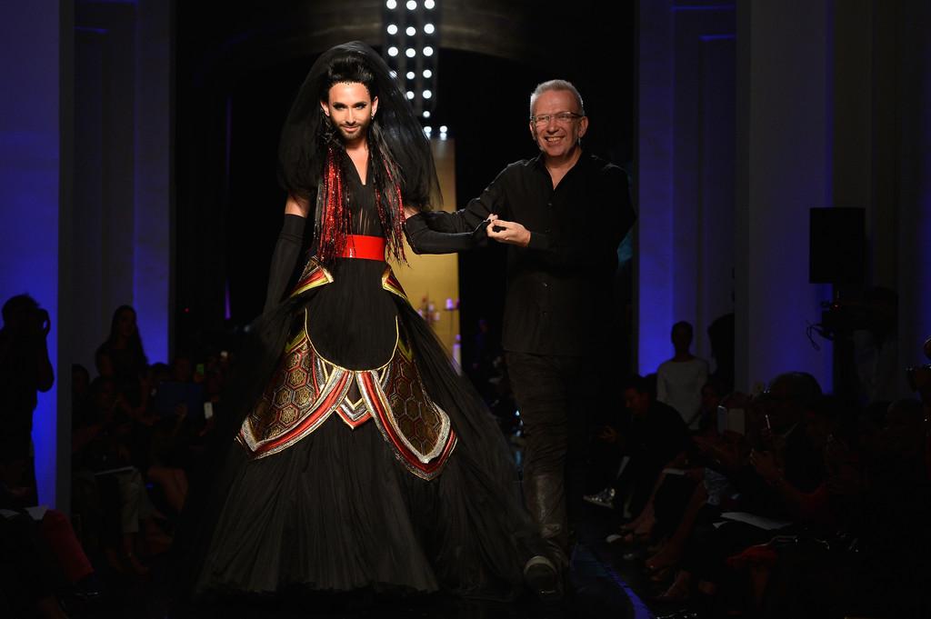 Conchita Wurst, la drag queen sfila per Jean Paul Gaultier